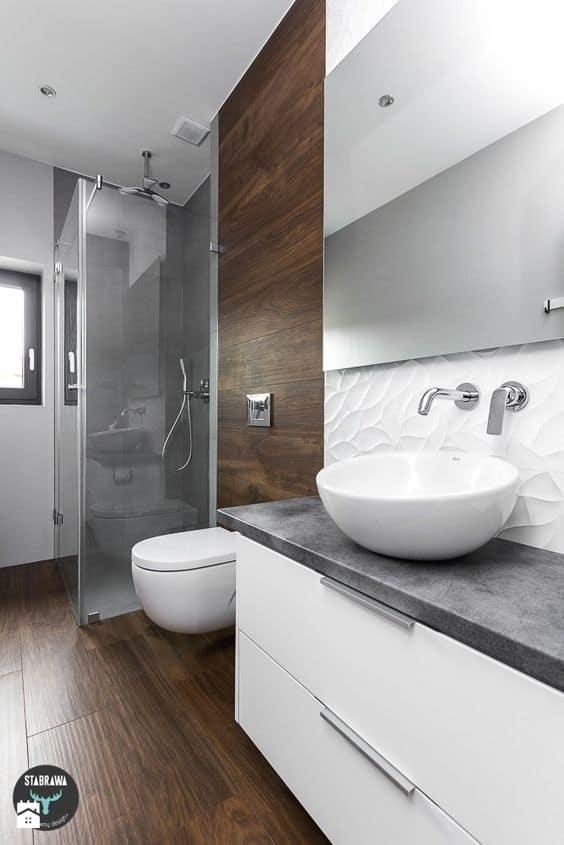 Combina madera con el blanco y el gris