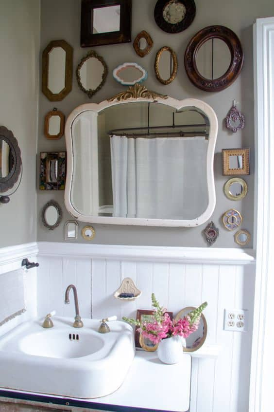 13-Use-small-mirrors-to-skirt-the-main