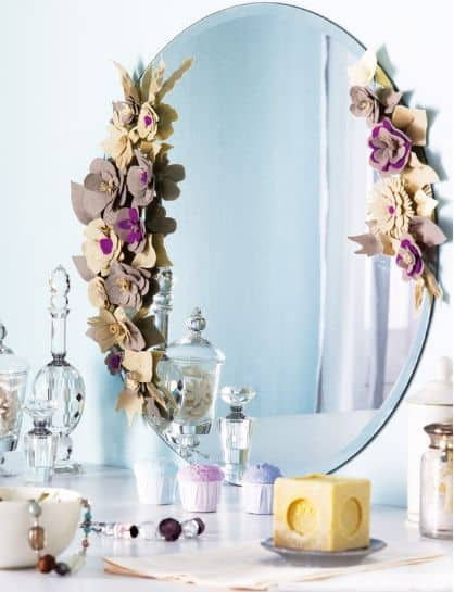 16-The-flowers-will-give-a-very-romantic-air-to-your-bathroom